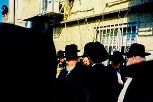 Rav Baruch Mordechai Ezrachi being maspid