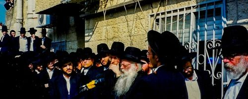 Rav Shmuel Yaakov Burstein being maspid (2)